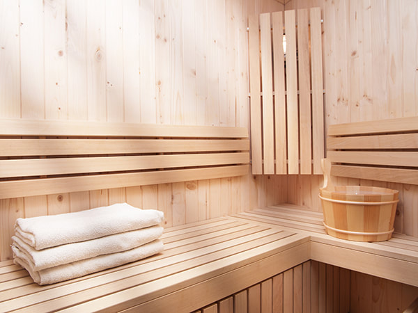 Sauna, Steam Bath and Outdoor Jacuzzi
